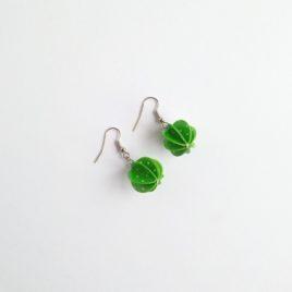 Boucles d'oreilles papier vert plumetis