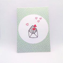 Carte brodée, thème lettre cœur modèle n°2.